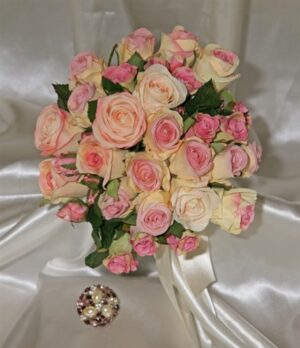Classic Light Pink Silk Rose Cluster